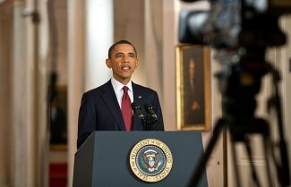 800px-Barack_Obama_white-house-seal-press-conference